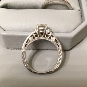 Diamond vintage wedding ring set